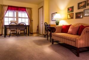 family-room-670281_1280
