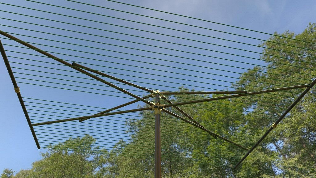 Parallel Clothesline 270 ft Capacity with Wood Grain Finish
